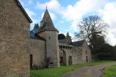 Restes du château de la Sauldraye - Français:   Château de La Sauldraye