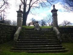 Chapelle de Saint-Nicodème - Chapelle Saint-Nicodème de Pluméliau (Morbihan, France), escaliers occidentaux