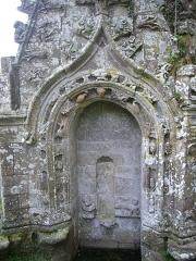 Chapelle de Saint-Nicodème - Fontaines de la chapelle Saint-Nicodème de Pluméliau (Morbihan, France)