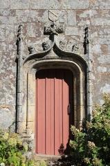 Chapelle de la Trinité - Chapelle de la Trinité (Plumergat): porte façade sud