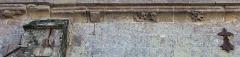 Chapelle de la Trinité - Chapelle de la Trinité (Plumergat)  : détail Larmier nord est