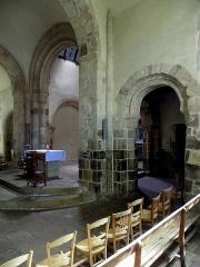 Eglise Saint-Beheau - Français:   Église Saint-Beheau de Priziac (56). Croisée du transept.
