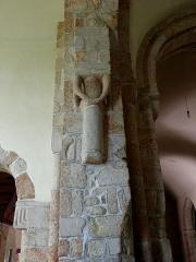 Eglise Saint-Beheau - Français:   Église Saint-Beheau de Priziac (56). Pilier de la croisée du transept.