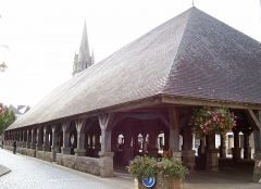 Vieilles halles -  Markthalle des 16. Jh. in Questembert, Bretagne