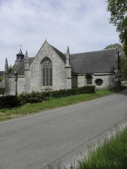 Chapelle Saint-Adrien - Français:   Fontaine-calvaire et chapelle Saint-Adrien en Saint-Barthélémy (56). Flanc méridional.