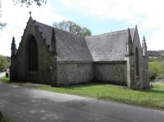 Chapelle Saint-Adrien - Français:   Chapelle Saint-Adrien en Saint-Barthélémy (56). Chevet et croisillon nord.