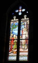 Chapelle de Saint-Gobrien - Chapelle Saint-Gobrien de Saint-Servant: Vitrail (figurant Saint-Gobrien? )