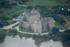 Ruines du château de Suscinio - Nederlands: Luchtopname vanuit het noord-westen van het kasteel van Suscinio te Sarzeau in Bretagne. Nikon D60 f=190mm f/5.6 bij 1/4000s ISO800. Bewerkt in Nikon ViewNX 2.1.2 en GIMP 2.6.11.