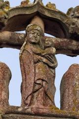 Eglise Saint-Golven et son calvaire - Français:   Vierge à l\'enfant en contrebas de la croix du calvaire.