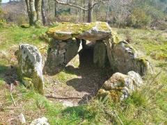 Trois dolmens à galerie de Mané-Kervilor - Français:   Chambre funéraire du dolmen à couloir n°2 du complexe tumulaire de Mané-Kervilor, dit Mané-Bras. Commune de La Trinité-sur-Mer, Morbihan, Bretagne, France.