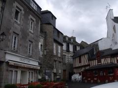 Château de l'Hermine - Español: Place des Lices, en Vannes, con la Casa Credey