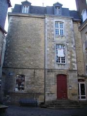 Hôtel Saint-Georges - Français:   Hôtel Saint-Georges à Vannes (Morbihan, France), façade place Valencia