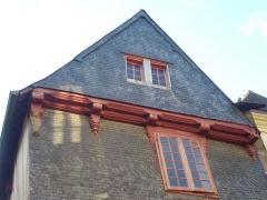 Maison dite de Vannes et sa femme - Français:   Maison de Vannes et sa femme à Vannes (Morbihan, France), toit