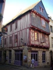 Maison dite de Vannes et sa femme - Français:   Maison de Vannes et sa femme à Vannes (Morbihan, France)