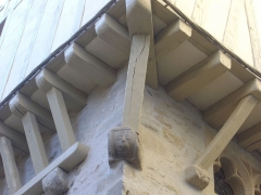Maison - Français:   Maison au 17 rue Saint-Guenhaël à Vannes (Morbihan, France), détail de la charpente
