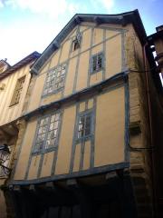 Maison - Français:   Maison au 19 rue Saint-Guenhaël à Vannes (Morbihan, France)