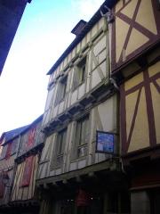 Maison - Français:   Maison au 29 rue Saint-Guenhaël à Vannes (Morbihan, France)