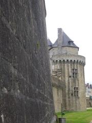 Anciens remparts - Remparts de Vannes (Morbihan, France): tour du Connétable