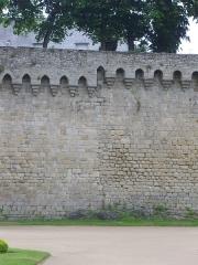 Anciens remparts - Français:   Remparts de Vannes (Morbihan, France): partie des remparts située entre les tour Poudrière et du Connétable