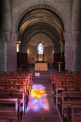Eglise Saint-André - Français:   Église Saint-André de Besse-et-Saint-Anastaise: nef et chœur.