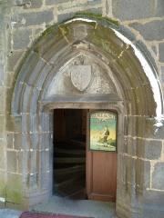 Maison dite de la reine Margot - Français:   Le porche de la Maison dite de la Reine Margot   Besse-et-Saint-Anastaise dans les   Monts_Dore Puy-de-Dôme