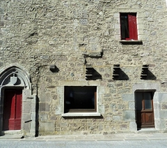 Maison - This building is indexed in the base Mérimée, a database of architectural heritage maintained by the French Ministry of Culture,under the reference PA00091900 .