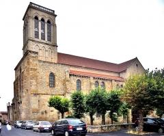 Eglise Saint-Cerneuf - Français:   Eglise Saint Cerneuf. Billom. Puy-de-Dôme.