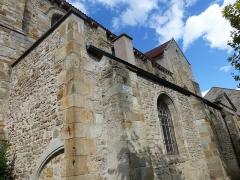 Eglise Saint-Cerneuf - Français:   Collatéral sud de l\'église Saint-Cerneuf de Billom (63).