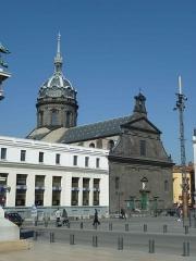 Eglise Saint-Pierre-des-Minimes - English: General view of the Church Saint-Peter, Clermont-Ferrand (place de Jaude). Historical monument.
