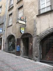 Hôtel Savaron - Français:   Hotel Saveron, 3 rue des Chaussetiers à Clermont-Ferrand