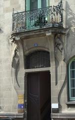 Immeuble - 10 rue de Ceyrat, Immeuble Art Déco, porte d'entrée, Clermont-Ferrand