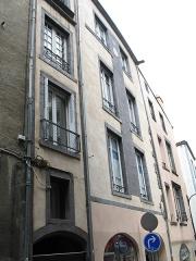 Maison du 16e siècle -  Maison à l'angle de la rue Barnier et de la rue du Port à Clermont-Ferrand