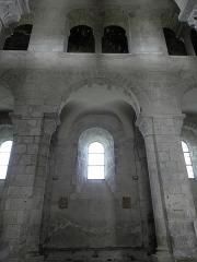 Eglise Saint-Victor-et-Sainte-Couronne - Français:   Élévation de la nef de la collégiale Saint-Victor et Sainte-Couronne d\'Ennezat (63).