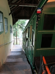 Funiculaire des Capucins - English: Upper station of the funiculaire du Capucin in the Mont-Dore (Puy-de-Dôme, France).