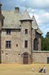 Château de Cordès - English: Castle of Cordès, Orcival, Auvergne-Rhône-Alpes, France.