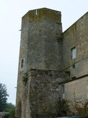 Château - English: Château de Ravel, Ravel, France. Historical monument. Octogonal tower.