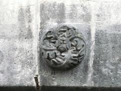 Maison - Français:   Statuette représentant saint Jean Baptiste, 5 rue Massillon, Riom, Puy-de-Dôme, France.