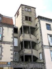 Château d'eau - Français:   Riom - Escalier sur la place de la Fédération
