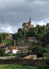 Château fort et église Saint-Jean du Marchidial - English: Champeix, Auvergne, FRANCE. Château du Marchidial.
