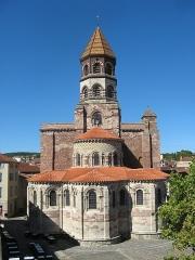 Basilique Saint-Julien - Français:   Brioude, basilique St-Julien vue de l\'est