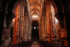 Basilique Saint-Julien - Français:   Basilique Saint-Julien de Brioude