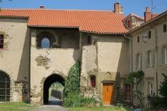 Prieuré - English: Priory of Chanteuges (Prieuré de Chanteuges), France. Gatehouse. South side (interior of the priory's walls).