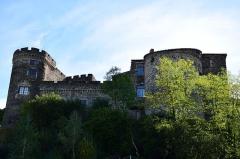 Château fort de Lamothe - Français:   Façade nord du château de Lamothe.