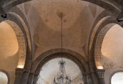 Eglise abbatiale - Français:   Croisée du transept de l\'abbatiale Saint-André de Lavaudieu.