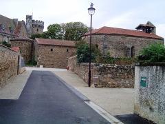 Eglise paroissiale Saint-Jean-Baptiste - English:   Paulhac (Haute-Loire) château et église (ancienne chapelle castrale)