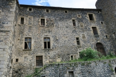 Ancienne abbaye de Pébrac - English: Abbey of Pébrac. West facade of convent buildings.