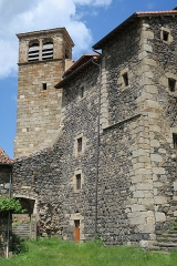 Ancienne abbaye de Pébrac - English: Abbey of Pébrac. West facade of the convent buildings and bell tower.