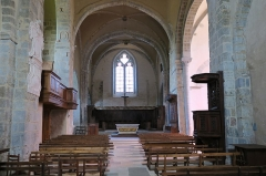 Ancienne abbaye de Pébrac - English: Abbey of Pébrac. Church Interior. View of nave and sanctuary from the church's entrance (West to East).
