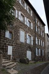 Anciens hôtel de Girardin et de Luzy - Français:   Hôtels de Girardin et de Luzy, situés rue Saint-Mayol au Puy-en-Velay.