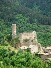 Ruines du château - English: Saint-André-de-Chalançon, vue sur Chalancon village, château et église